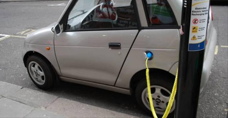 Empresa cria combustível de água para carros elétricos