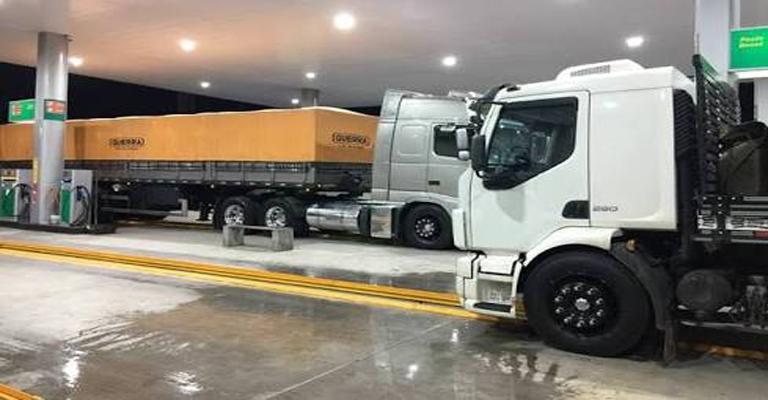 Os caminhões, o diesel e os impostos