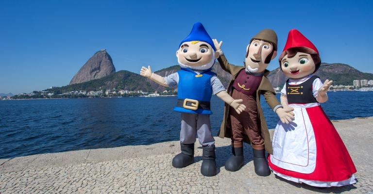 Gnomeu e Julieta passeiam pelo Rio de Janeiro