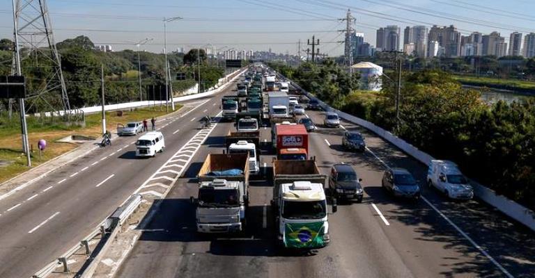 O que o transporte por caminhões representa para o Brasil