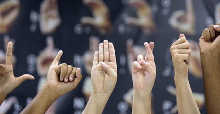 Município paulista ensina Libras a todos os alunos para promover inclusão