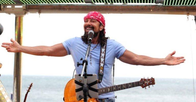 Bell Marques faz show  com novidades para o Carnaval