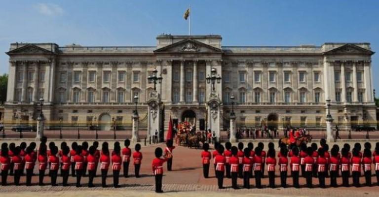 Príncipe Harry diz que ninguém quer ser rei ou rainha