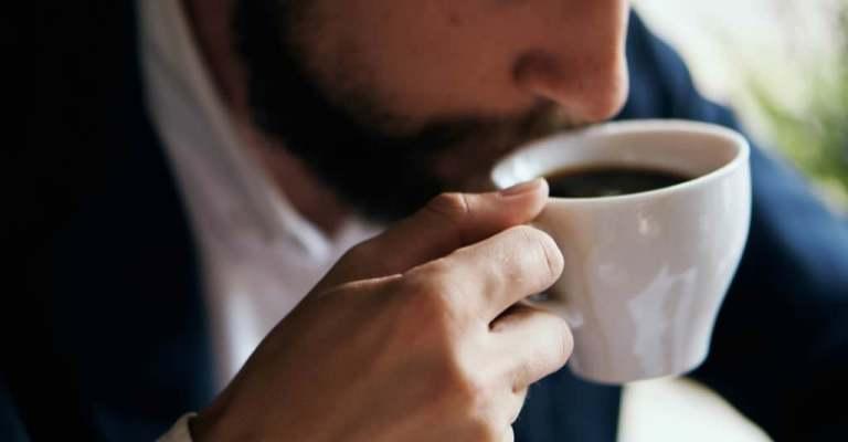 Olhos abertos para a cafeína