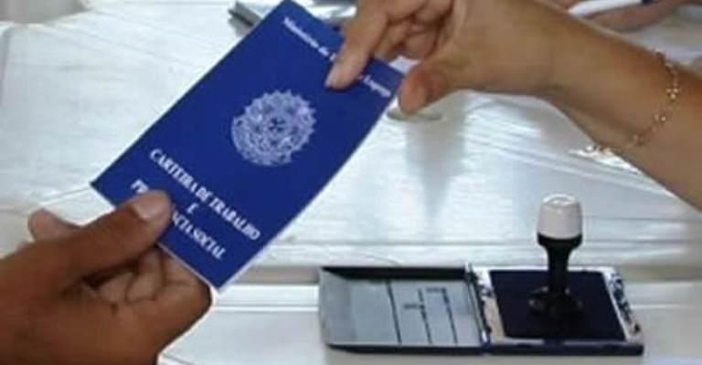 Brasil cria 316 mil postos de trabalho formal em julho