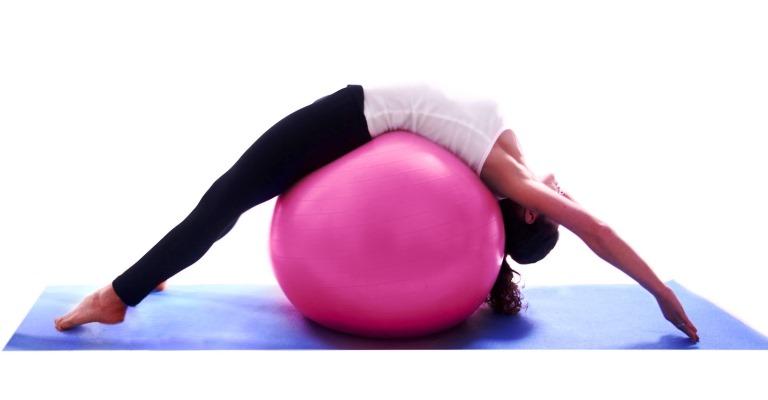 Pilates melhora postura e dores na coluna em crianças e adolescentes