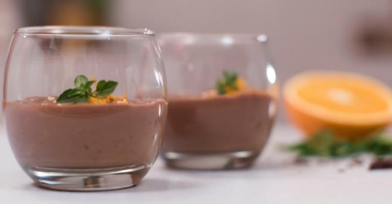 Festa Junina com arroz doce de chocolate e laranja