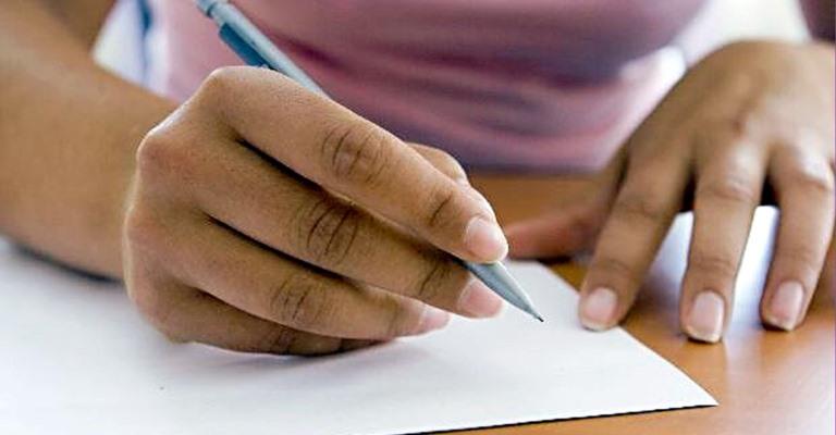 Programa de bolsas de estudo disponibiliza guia do Enem