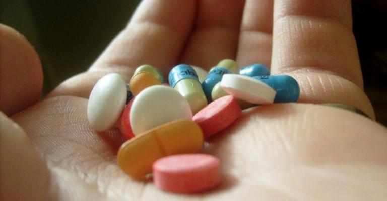 Automedicação pode ocasionar intoxicações