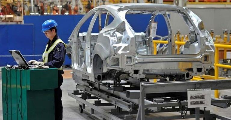 Produção nacional de automóveis tem queda de 21,8% em março