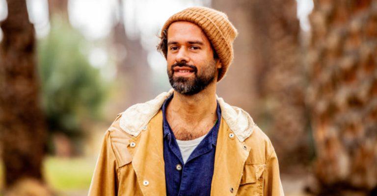 Marcelo Jeneci lança a primeira música de seu terceiro álbum