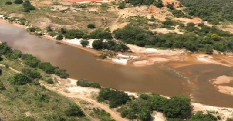 Operação mostra degradação no Rio Jequitinhonha