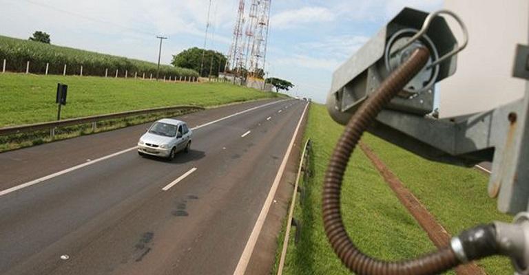 Estradas mineiras receberão598 novos radares de velocidade