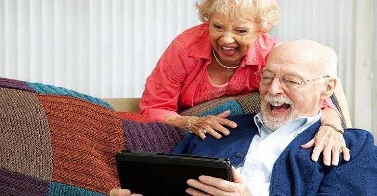 Jogos, tecnologia e exercícios físicos são aliados dos idosos durante distanciamento social