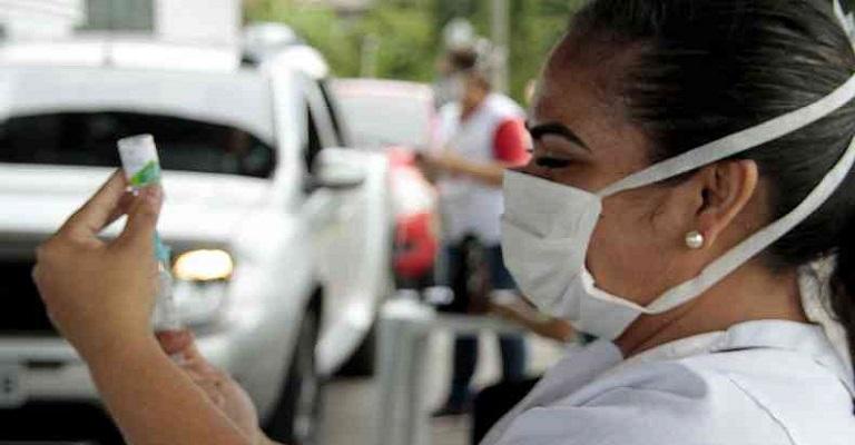 Começa dia 16 a vacinação para caminhoneiros, motoristas de transporte coletivo e portuários