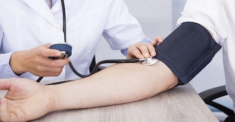 Hipertensos e diabéticos, como cuidar destes pacientes para diminuir os riscos