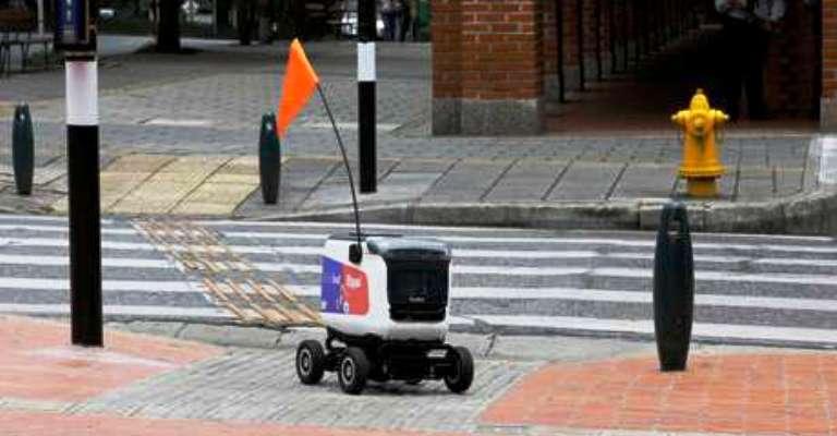 Startup testa robôs para entrega de comida em domicílio