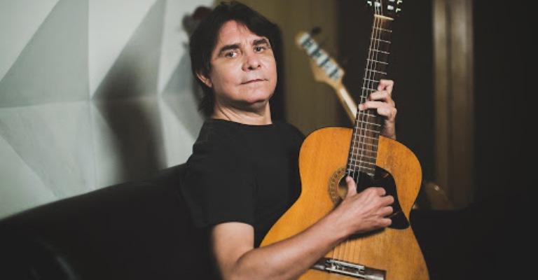 Lô Borges grava videoclipe colaborativo na quarentena