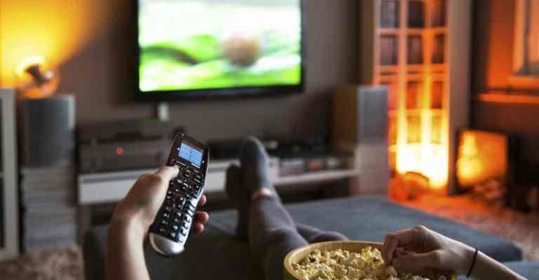 TV por assinatura em domicílios cai para 30,4% no Brasil