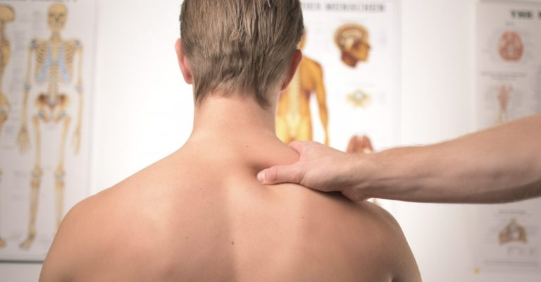 Fisioterapia precoce é essencial no tratamento da artrite idiopática juvenil
