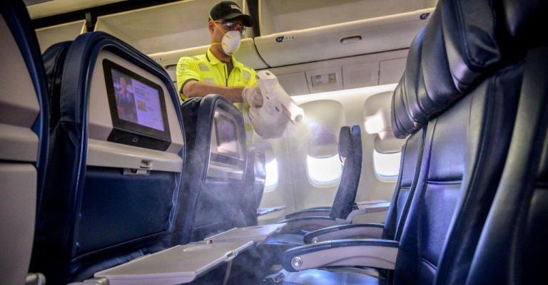Covid-19: pesquisa revela que 47,5% das pessoas temem viajar de avião
