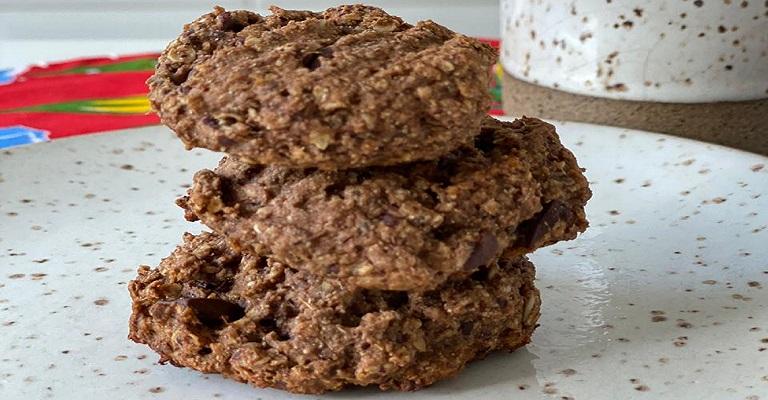 Vai encarar? Cookie vegano com gotas de chocolate