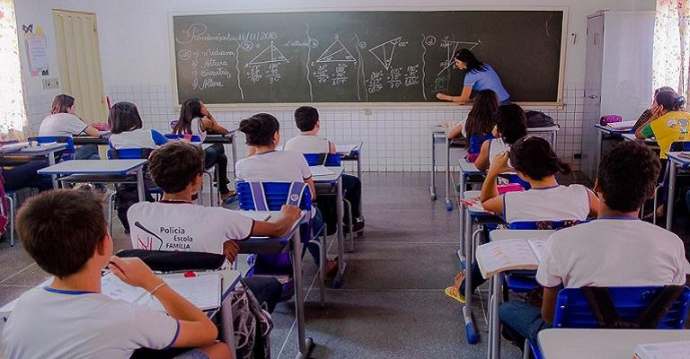 Reabertura das escolas: complexa e dispendiosa, mas necessária