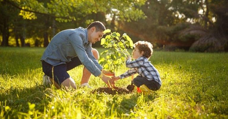 Brincar na natureza é essencial para o desenvolvimento das crianças