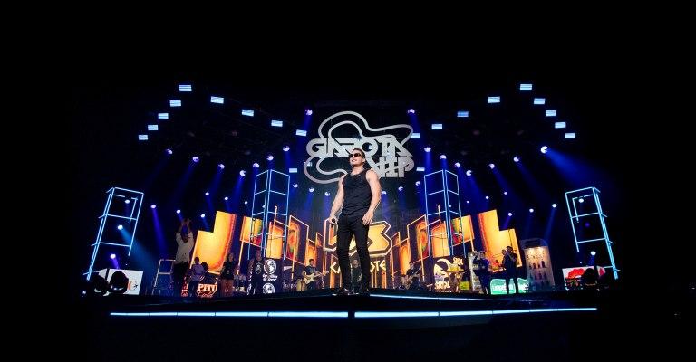 Wesley Safadão retorna aos palcos com projeto 'Garota VIP'