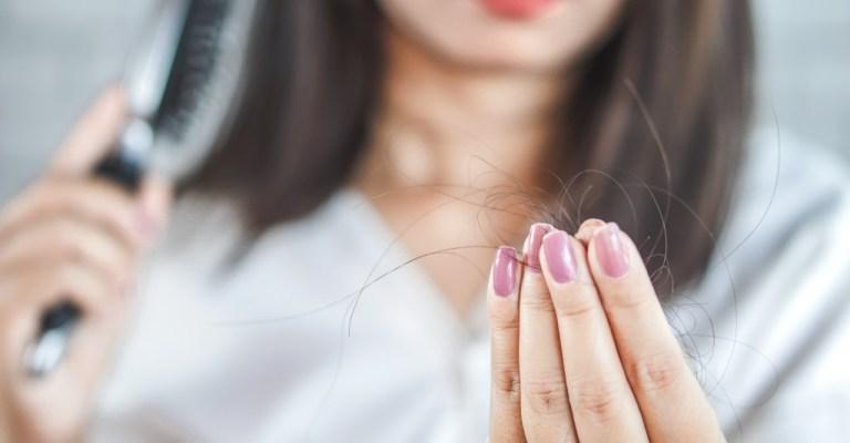Covid-19 pode desenvolver perda de cabelo?