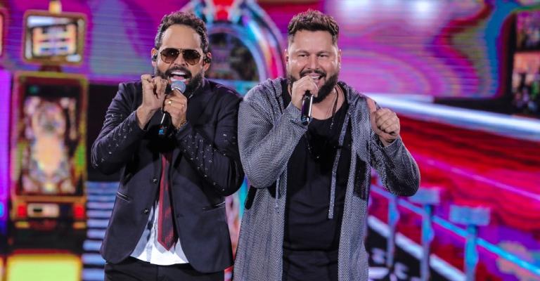 Diego e Arnaldo gravam5° DVD com participações especiais