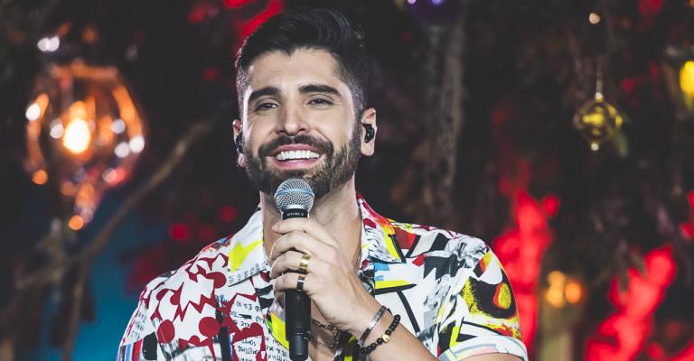 Cantor João Gabriel lança DVD com participações especiais de grandes artistas