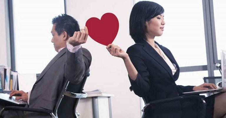 Namoro na empresa: prática não é proibida, mas…