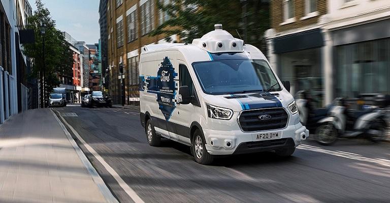 Ford começa testes de entregas na vida real com furgões autônomos