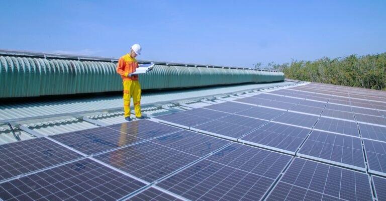 """A """"Revolução Solar"""" chega às empresas"""