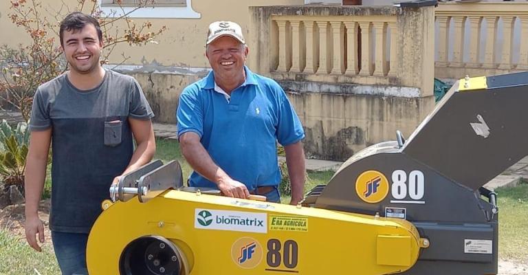 Pecuarista de Minas Gerais recebe prêmio por silagem de alta qualidade