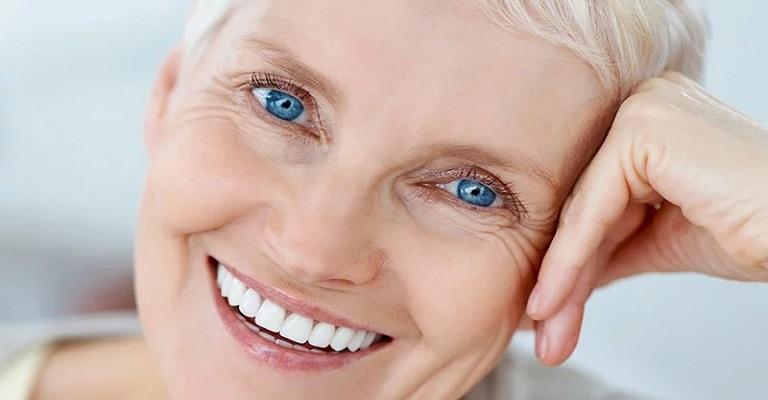 O sorriso envelhece, mas pode ser mais tarde