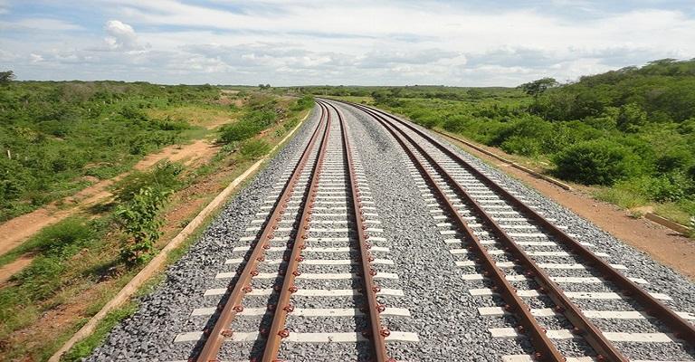 Cinco mil quilômetros de ferrovias que dependem do Senado