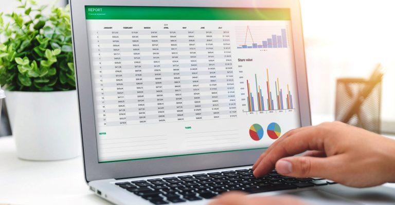 Escola de negócios oferece 10 mil bolsas de estudo em curso de Excel para jovens